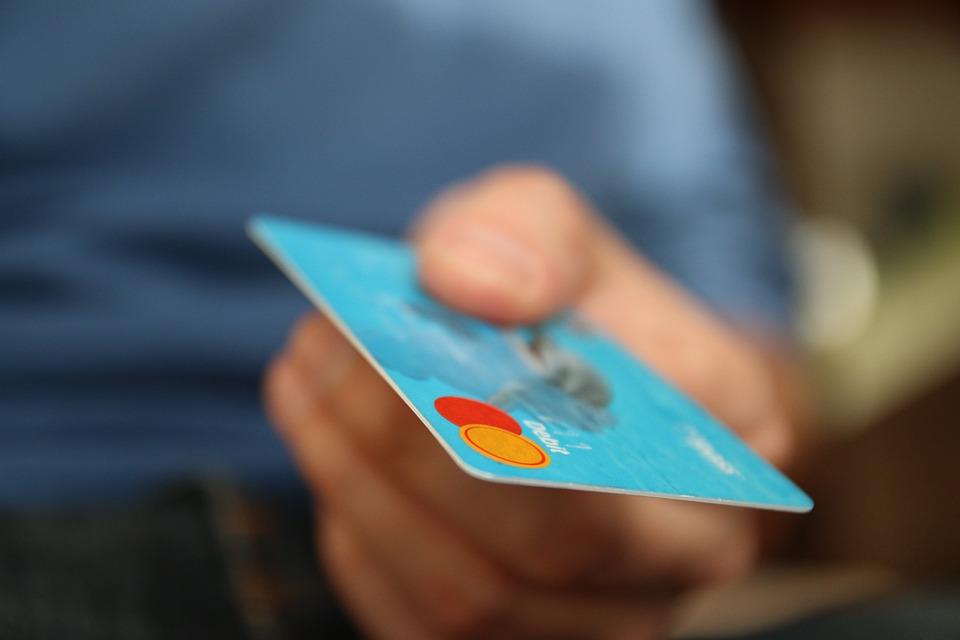 Terminal kart płatniczych – inwestycja czy ryzyko?